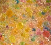 Vele kleurrijke gelballen Hydrogelparels stock afbeelding