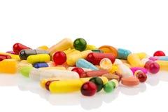 Vele kleurrijke pillen Royalty-vrije Stock Afbeelding