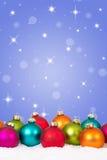 Vele kleurrijke van Kerstmisballen decoratie als achtergrond met sterren a Stock Foto's