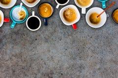 Vele Koppen van koffie Stock Foto