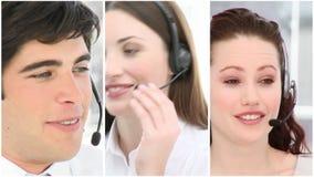 Vele mensen aan het werk in een call centre stock videobeelden