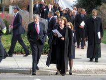 Vele Mensen die de Nationale Kathedraal in Washington DC weggaan royalty-vrije stock afbeeldingen