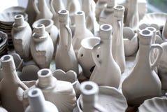 Vele potten van klei stock foto