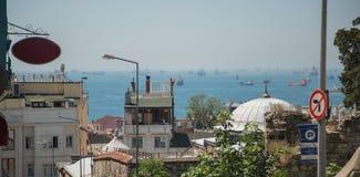 Vele schepen in het overzees Straat van Bosporus Turkije, Istanboel Royalty-vrije Stock Afbeeldingen