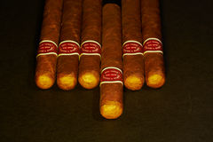 Vele sigaren op de lijst Stock Foto