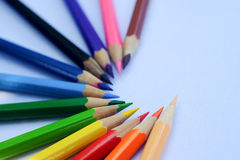 Vele verschillende kleurpotloden Royalty-vrije Stock Foto