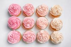 Vele yummy cupcakes royalty-vrije stock afbeelding