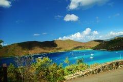 Veleiros fora de St John, E.U. Ilhas Virgens Fotos de Stock Royalty Free