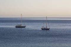 Veleiros no oceano foto de stock royalty free