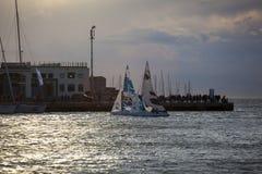 Veleiros no por do sol durante os 49 Barcolana, Trieste fotos de stock royalty free