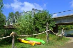Veleka riverbank boten Stock Afbeelding
