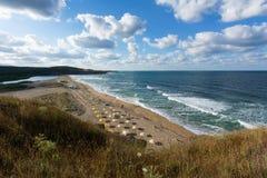 Veleka strand nära den Sinemorets byn, Black Sea, Bulgarien Royaltyfria Foton
