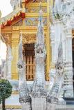 Velen geleid Naga-standbeeld Stock Foto