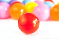 Velen kleuren plastic ballen Royalty-vrije Stock Foto's