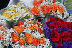 Velen Kleurrijke Rose Bouquets Royalty-vrije Stock Foto's