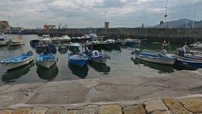 Veleros de la rampa del puerto pesquero Castro Urdiales 43 metrajes