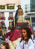 VELEZ-MALAGA, ESPAÑA - 24 de marzo de 2018 gente que participa en Fotos de archivo libres de regalías