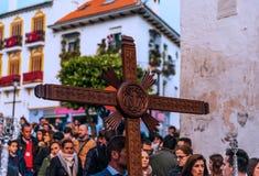 VELEZ-MALAGA, ESPAÑA - 24 de marzo de 2018 gente que participa en Imágenes de archivo libres de regalías