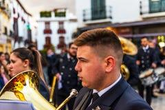 VELEZ-MALAGA, SPANIEN - 24. März 2018 Leute, die an teilnehmen Stockbilder