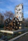 A velha e a nova, Barcelona, Espanha foto de stock