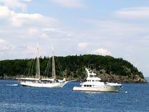 Velho encontra novo no mar em Maine Imagens de Stock Royalty Free