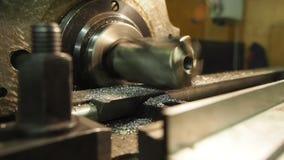 Velho geen a máquina de trituração, close up, metalúrgico vídeos de arquivo