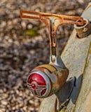Velho mas ainda Shinning Luz da cauda e suporte vermelhos brilhantes da placa Fotografia de Stock