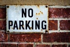 Velho nenhum sinal do estacionamento Fotografia de Stock Royalty Free