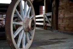 Velho, roda de vagão Imagem de Stock Royalty Free