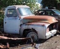 Velhos oxidados para fora transportam Imagem de Stock