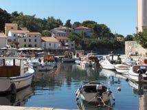Veli Losinj-Hafen, Kroatien, Europa Stockbilder
