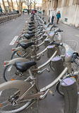 Velib cyklar arkivbild