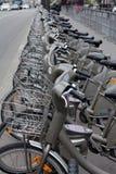 Velib cyklar i Paris, Frankrike arkivbild