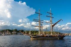 Veliero sulla vela di Hanse a Rostock, Germania Immagini Stock