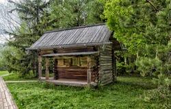 Velikiy Novgorod, Ρωσία - 23 05 2015: Χαρακτηριστική αγροικία στο nort Στοκ Φωτογραφίες