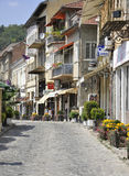 Veliko Tarnovo BG, am 15. August: Alte Straße der mittelalterlichen Stadt Veliko Tarnovo von Bulgarien Stockfotografie
