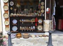 Veliko Tarnovo BG, Augusti 15th: Souvenir lagrar i den medeltida staden Veliko Tarnovo från Bulgarien Royaltyfri Bild