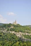 Veliko Tarnovo BG, Augusti 15th: Tsarevets fästning och patriark- kyrka från Veliko Tarnovo i Bulgarien Royaltyfri Foto