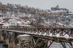Veliko tarnovo Tsaravets i vinter arkivfoton