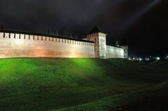 Veliky Новгород Кремль в России к ноча Стоковая Фотография RF