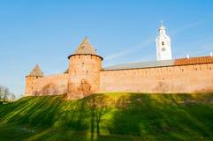 Veliky Novgorod Κρεμλίνο μητροπολιτικό και πύργοι Fedor με το καμπαναριό καθεδρικών ναών του ST Sophia σε Veliky Novgorod, Ρωσία Στοκ φωτογραφία με δικαίωμα ελεύθερης χρήσης