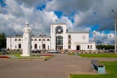 veliky novgorod för antagandeauktionkyrka Ryssland Alexander Nevsky Sculpture Royaltyfri Bild