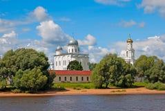 veliky novgorod för antagandeauktionkyrka Ryssland Den Yuriev kloster Arkivfoto