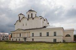 veliky novgorod för antagandeauktionkyrka St Nicholas Cathedral av det 12th århundradet Arkivbilder
