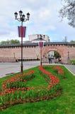 Veliky Novgorod het Kremlin in bewolkte de lentedag, Rusland Royalty-vrije Stock Afbeelding