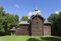 Veliky Novgorod (St George) Museum van Houten Architectuur Vitoslavlitsy Kerk van St Nicholas royalty-vrije stock afbeeldingen