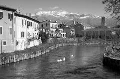 Velino从意大利列蒂,意大利的河和亚平宁山脉视图 库存照片