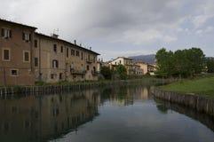 Velino flod i Rieti, Italien Arkivbilder