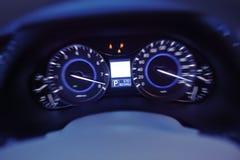 Velocímetro de una velocidad del coche Foto de archivo libre de regalías