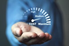Velocímetro do controlo de custos Gestão do custo fotos de stock royalty free